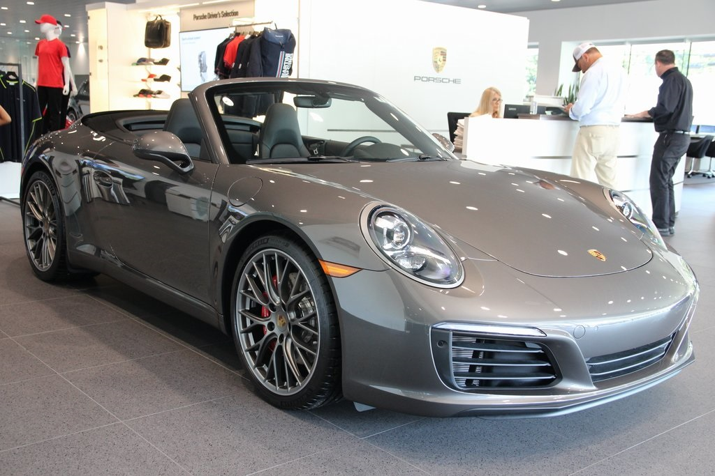 New 2019 Porsche 911 Carrera S 2d Convertible In Greenwich 5320