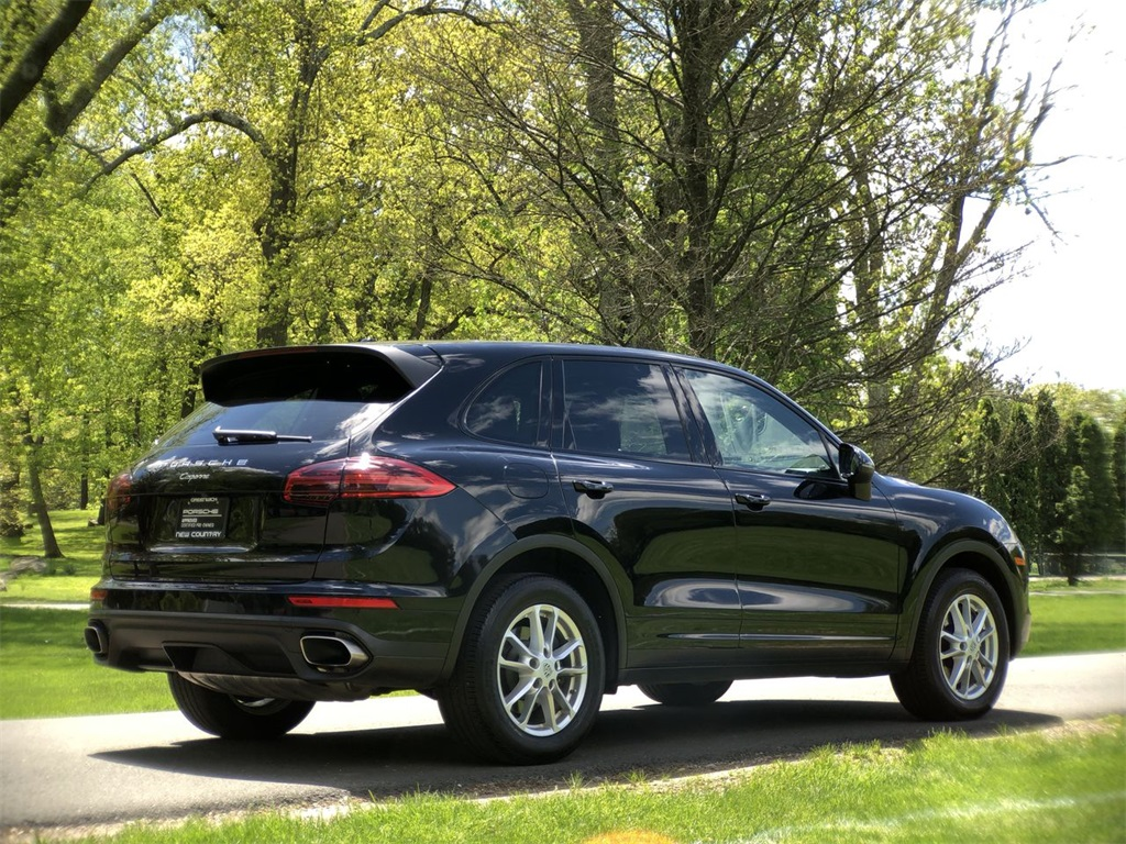 Certified Pre-Owned 2016 Porsche Cayenne Base